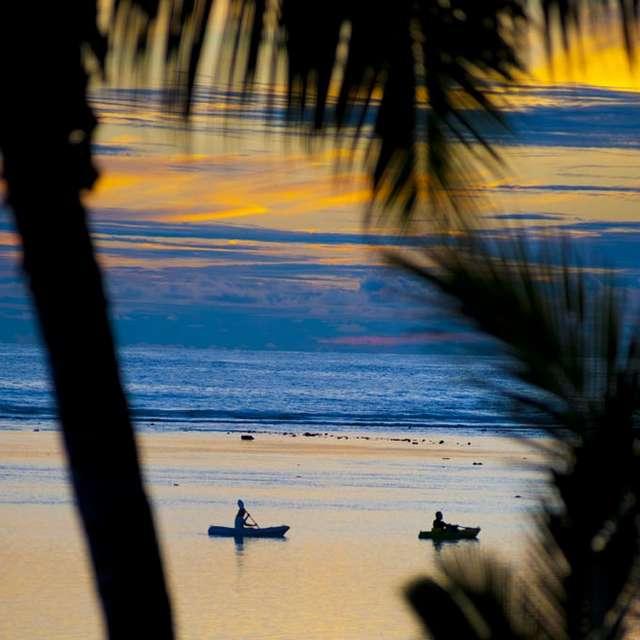 Voyage aux Îles Cook - Kayak et coucher de soleil