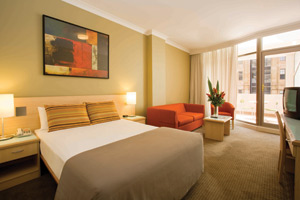 superieur-Travelodge-Wynyard_Courtyard-Room-3-1