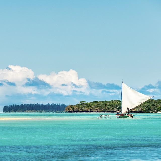 Voyage autotour en Nouvelle Calédonie - Bienvenue en Nouvelle Calédonie - Pirogue Ile des Pins