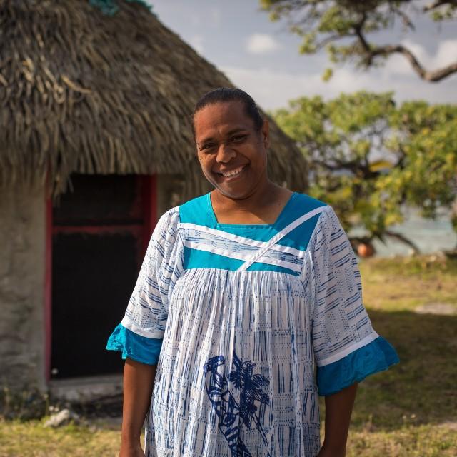 Voyage autotour en Nouvelle Calédonie - Bienvenue en Nouvelle Calédonie - femme kanak à Lifou