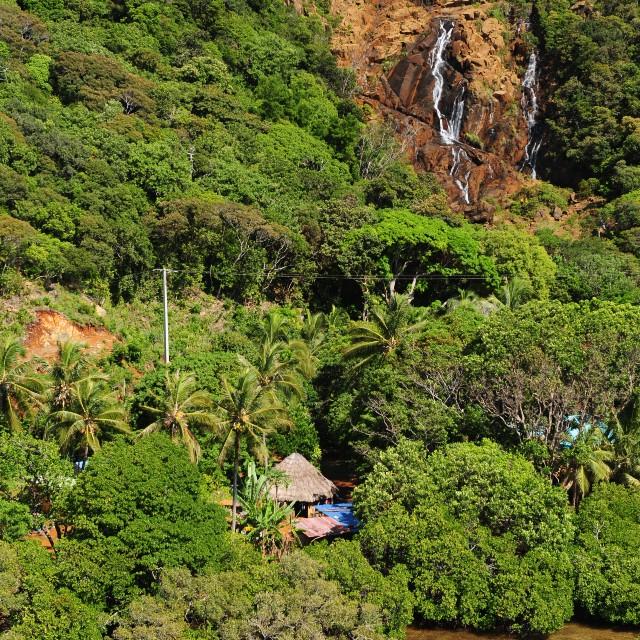 Voyage en Nouvelle Calédonie en famille -Cascade de Goro