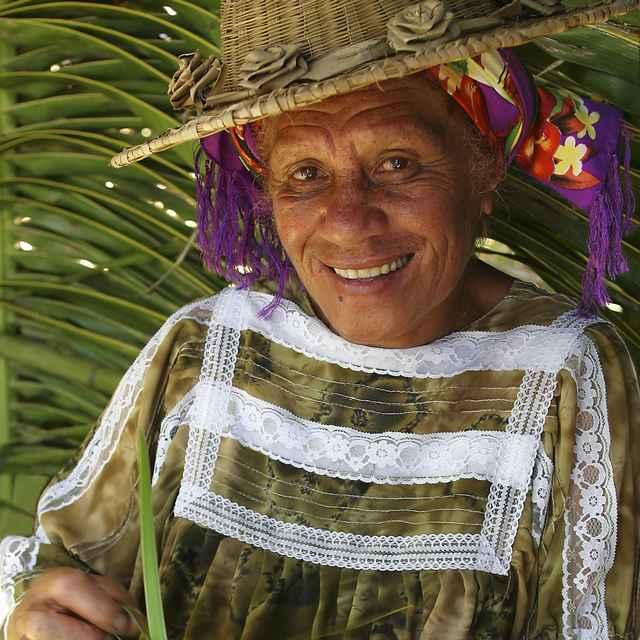 Voyage combiné Nouvelle-Calédonie et Polynésie Française - Nouvelle-Calédonie, femme kanak