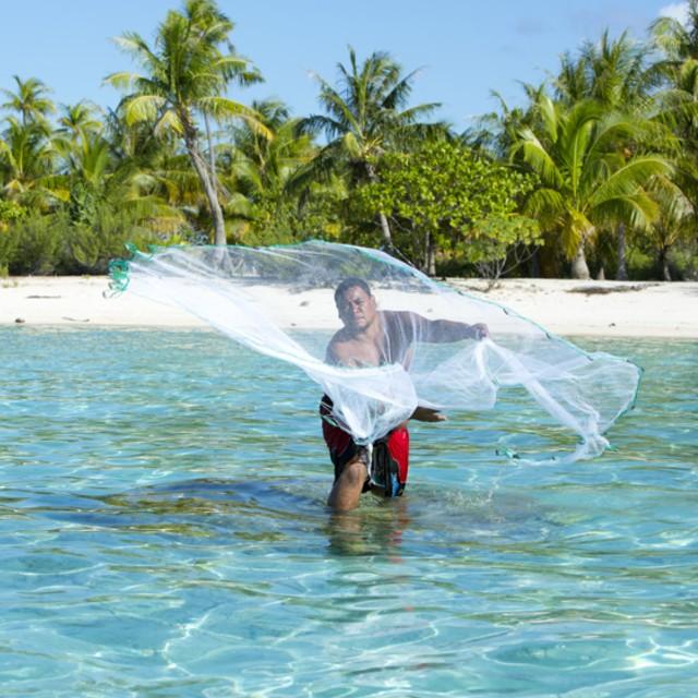 Voyage à la carte en Polynésie Française - Polynésie Enchanteresse - Pêcheur Tikehau